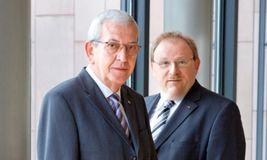Werner Brinkkötter (links) und Klaus Hukriede treiben die Zentralisierung im Cash Management von Storck weiter voran.
