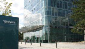 CFO Rachel Empey verbreitert mit einem neuen Förderkredit die Finanzierungsbasis von Telefónica Deutschland.