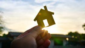 Im Niedrigzinsumfeld suchen Anleger händeringend nach guten Anlagemöglichkeiten. In diesem Jahr sind laut einer aktuellen Studie von Universal-Investment vor allem Immobilienfonds gut gelaufen.