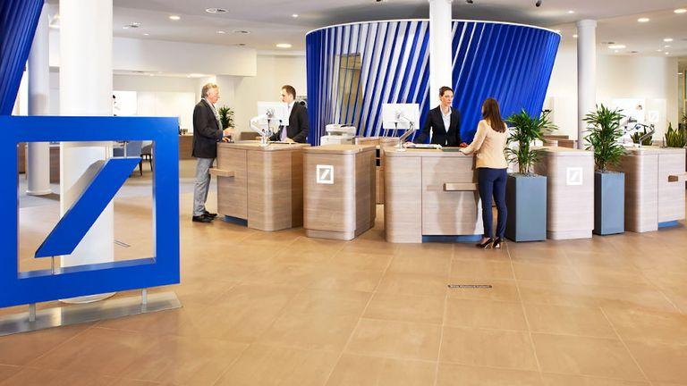 Die Deutsche Bank verteilt die Verantwortlichkeiten im Vorstand neu.