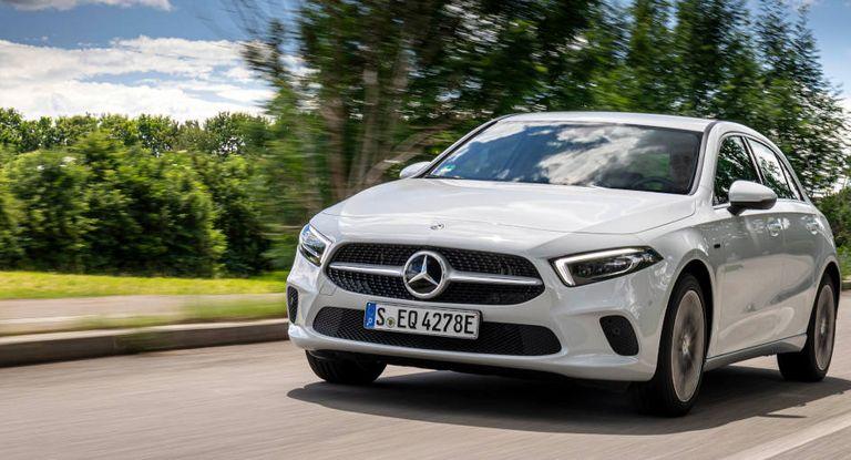 Der Autokonzern Daimler hat erstmals eine grüne Anleihe platziert.