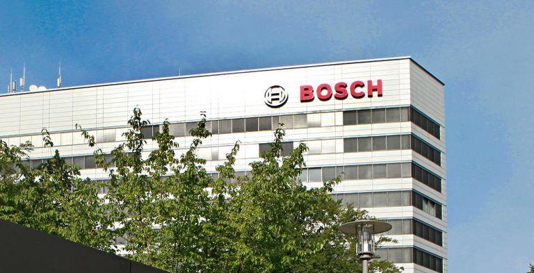 Der Technologiekonzern Bosch hat erstmals eine nachhaltige Finanzierung aufgelegt und seine revolvierende Kreditlinie auf ESG umgestellt.