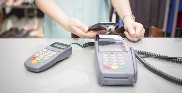 Neue Bezahlverfahren erobern auch die Industrie. Was können Apple Pay & Co.?
