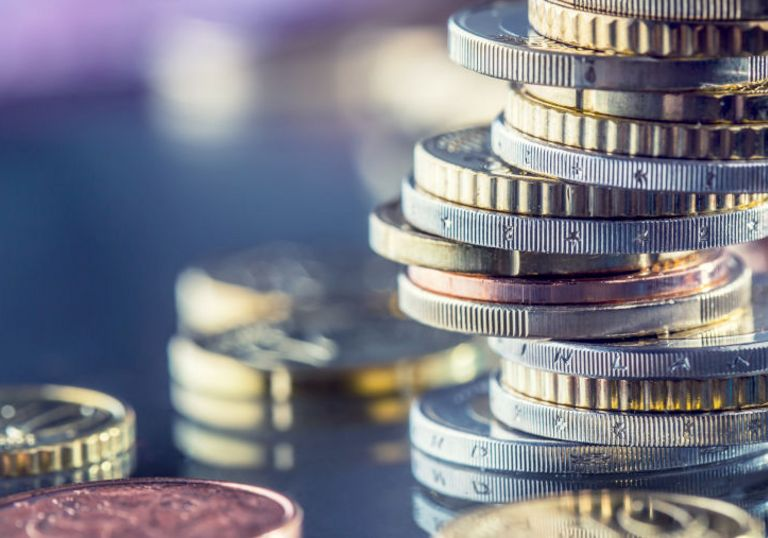 Ein eigenes Treasury ist nicht nur für Großunternehmen geeignet. Auch für Mittelständler kann es sich lohnen.