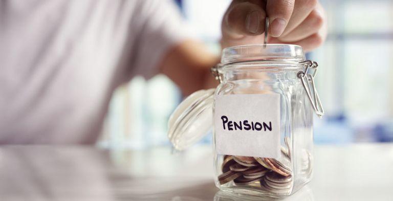 Altersvorsorge: Am Ende soll für die Arbeitnehmer möglichst viel übrig bleiben.