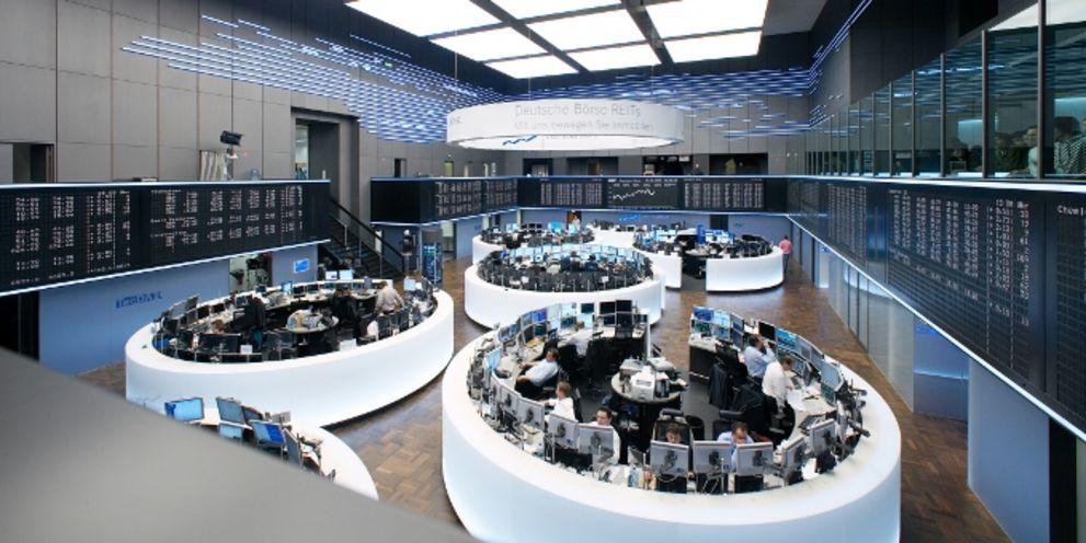 Die Deutsche Börse will den US-Börsenbetreiber ISE verkaufen, der bilanziell zu Eurex Clearing gehört. Auch im Eurex-Vorstand tut sich einiges.