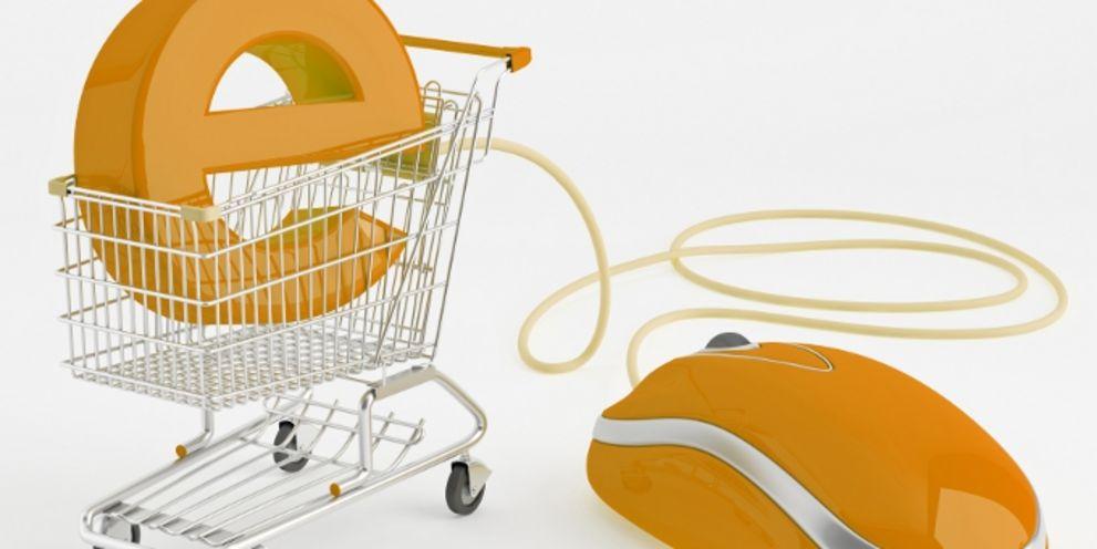 Nichts ist klar: Erste Onlinehändler nehmen bereits Abschied von der Sepa-Lastschrift.