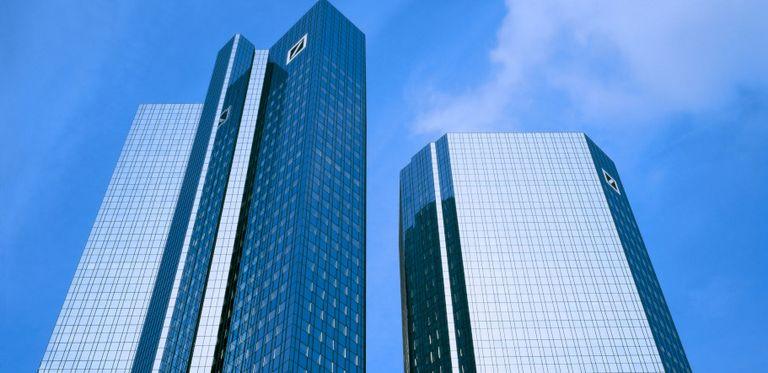 Die Deutsche Bank will Google die IT-Systeme wieder auf Vordermann bringen.