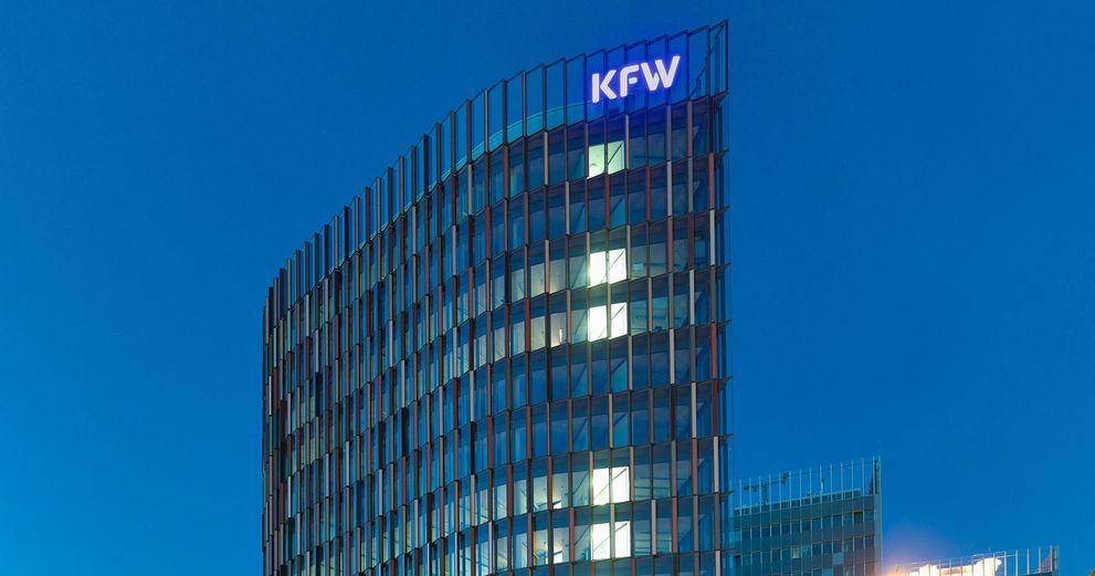 Die KfW geht einen Schritt weiter: Die Staatsbank will Förderkredite mit negativer Verzinsung an Banken weitergeben.