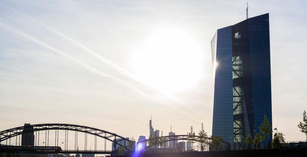 Die EZB senkt den Einlagenzins weiter, aber führt die lange erwartete Staffelung ein. Jetzt beginnt das Verhandeln zwischen Unternehmen und Banken.