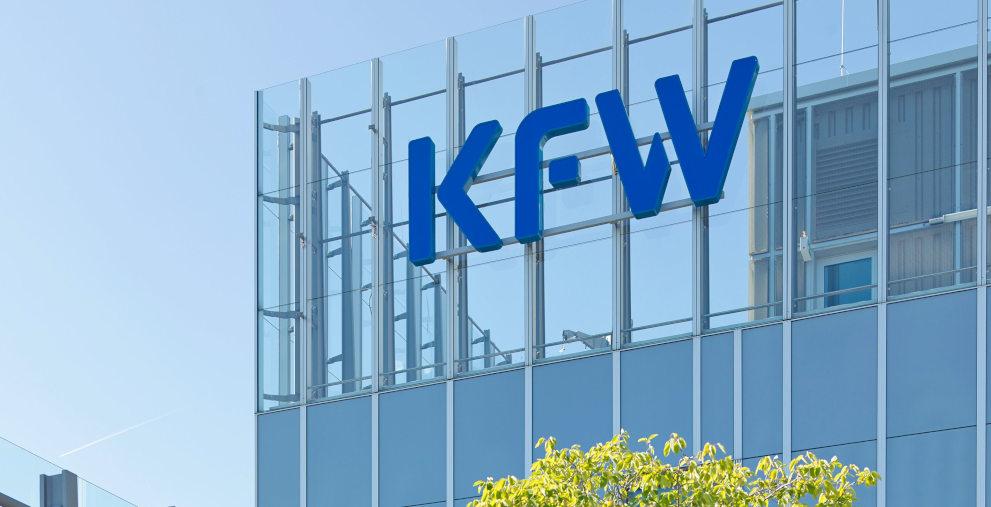 Die KfW steht im Zentrum der geplanten Hilfen für Corona-geplagte Unternehmen. Die wichtigsten Punkte für Treasurer im Überblick.